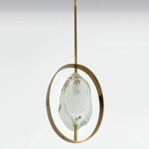 Suspension de Max Ingrand pour Fontana Arte , création vers 1961 Modèle 1933. Verre et laiton