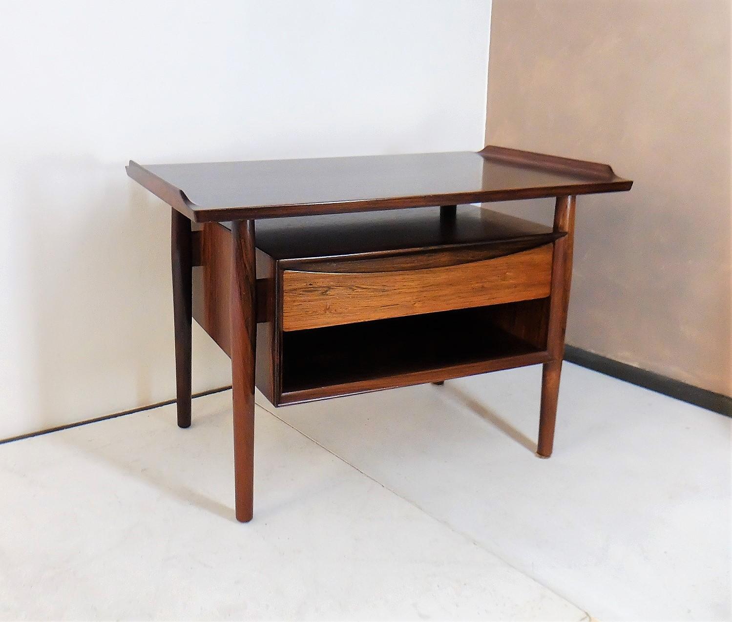 Table d 39 appoint scandinave en palissandre arne vodder - Table en palissandre massif ...