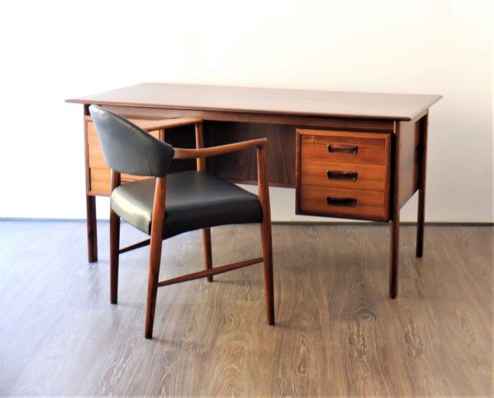 Kurt Olsen Fauteuil Model 223 Et Bureau Scandinave En Palissandre 1960